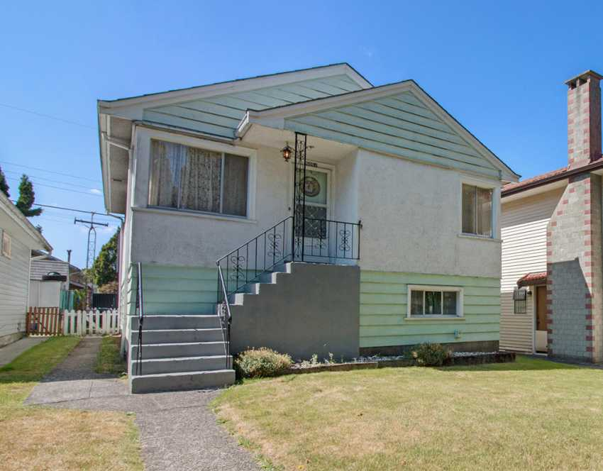 5051 Sherbrooke Street, Vancouver, British Columbia    - Photo 1 - RP8447018386